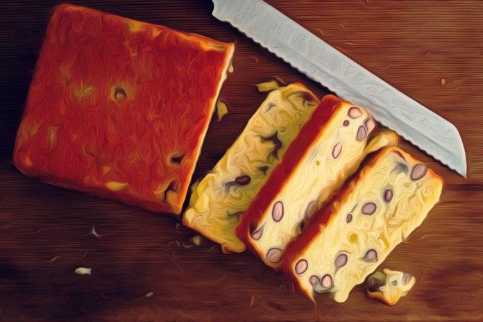 cornbread-with-kidney-beans-sliced