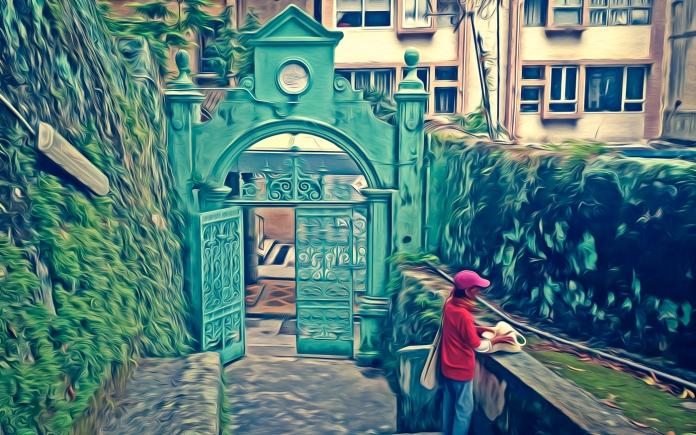 jamia-mosque-entrance.jpg
